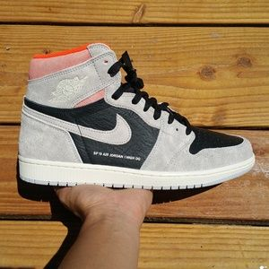 Nike Air Jordan 1 High OG Retro Hyper Crimson
